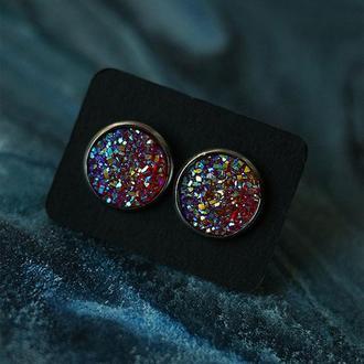 Серьги с камнями, цвет красный с сине-золотыми переливами