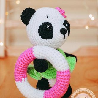 Вязаная игрушка Панда со спасательным кругом 14 см