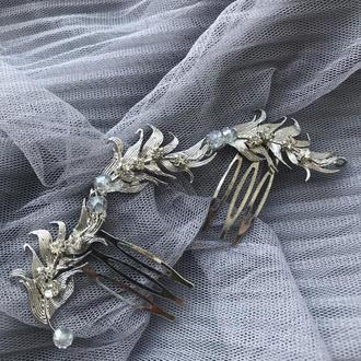 Серебрянный гребень с перьями и бусинами для невесты