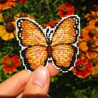 Вышитый магнит Бабочка