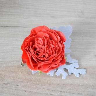 Заколка-брошь с красной розой