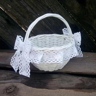 Плетеная корзина с хлопковым кружевом D15cm