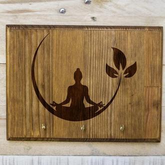 """Настенная ключница """"Медитация"""" из дерева"""