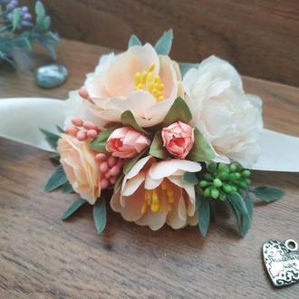 Бутоньерка на руку Персиковая Цветочный браслет для свидетельницы