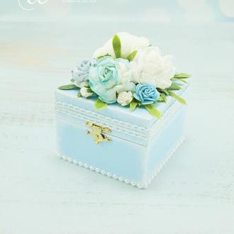 Шкатулочка під обручки блакитна / Шкатулка под кольца голубая / Голубая подушечка под кольца