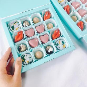 Коробка 16 шоколадных конфет
