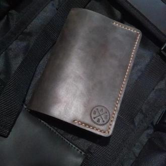 Обкладинка на паспорт з натуральної шкіри