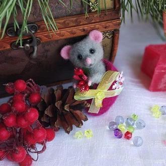 Мышки, новогодняя игрушка из шерсти на ёлку, мышонок в валенке.