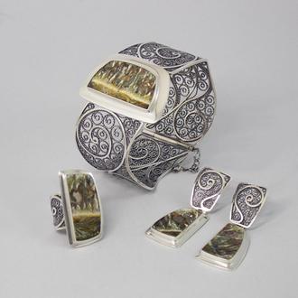 Серебряные украшения с натуральными камнями.