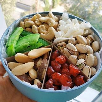 Маленькая подарочная коробочка Just Nuts орехи и цукаты