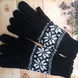 Перчатки из шерсти с норвежским орнаментом