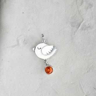 Серебряный кулон птичка с янтарем
