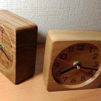 Часы прикроватные