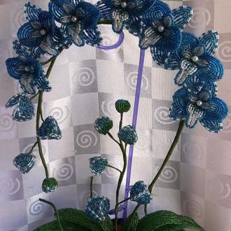 Цветы, букеты из бисера.