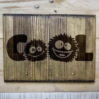 "Настенная ключница ""Cool"" из дерева"