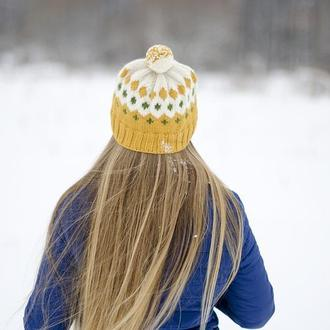Вязаная шапочка. Зимняя шапка. Хюге-шапка. Женская шапка (на заказ)