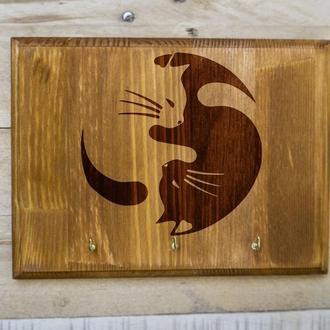 """Настенная ключница """"Инь-янь котята"""" из дерева"""