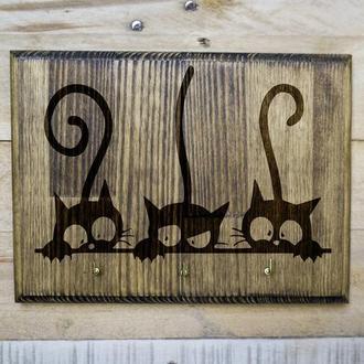 """Настенная ключница """"Коты шпионы"""" из дерева"""