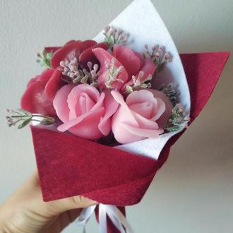 Букет із 5 троянд