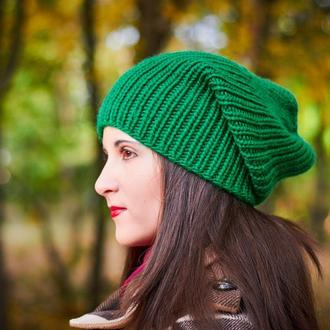 Ярко-зеленая зимняя шапка
