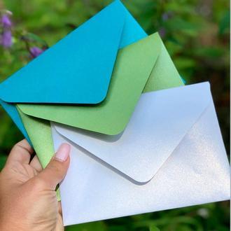 Крафт конверт С6 из перламутровой бумаги мохито