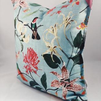 Диванная декоративная подушка с цветами и птицами. Подушка на замке.