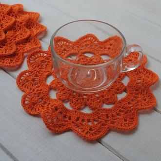Набор оранжевых подставок под чашки 4 шт / салфеток вязаных крючком / подстаканники / чайный набор