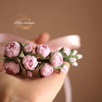 """Браслет на руку с цветами """"Веточка розовых пионов"""""""