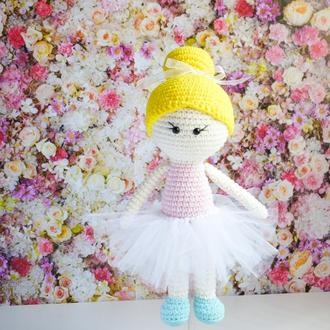 Вязаная куколка балерина. Подарок девочке. Подарок новорожденному. Эко-ирушка. Интерьерная игрушка.