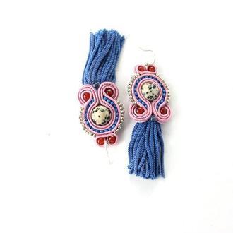 Серьги кисточки синие с розовым. Сутажные украшения ручной работы с камнем. Серьги с яшмой