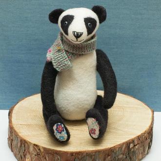 Панда интерьерная игрушка. Валяная игрушка из шерсти