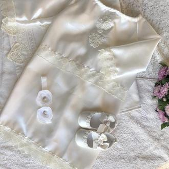 Набор для крещения цвета ivory (платье, пинетки и повязка с цветами)