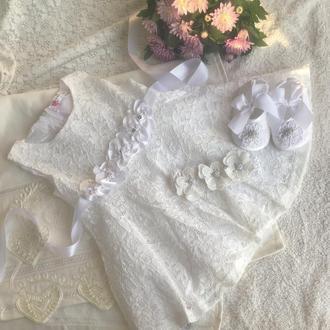 Кружевное платье для девочки с пинетками и повязочкой на голову (торжество или крещение)