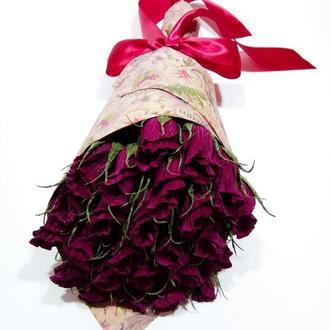 Букет с конфетами, 25 роз