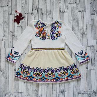 Яркое вязаное и вышитое платье для девочки (6-8 лет), ручная работа, единственный экземпляр