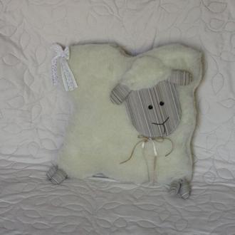 Милая овечка подушка
