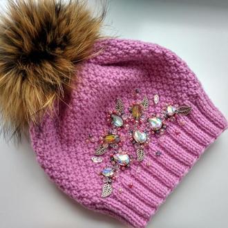 Зимняя шапка Пион вышита стразами,хрусталем,жемчугом и бисером
