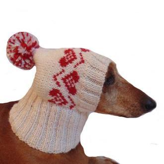 Шапка с сердцами для собаки