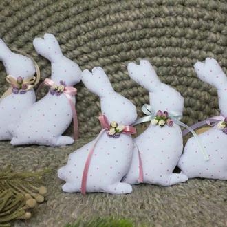 Декоративные яйца и кролики