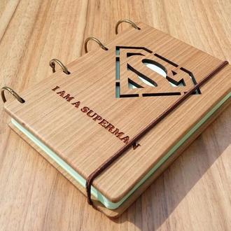 "Блокнот ""Супермен"" из натурального дерева на кольцах"