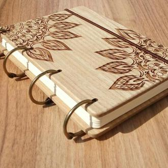 "Блокнот ""Мандала"" из натурального дерева на кольцах"