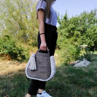 Оригинальная сумочка с деревянными вставками