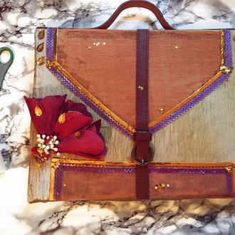 Коробка конфет в виде портфеля