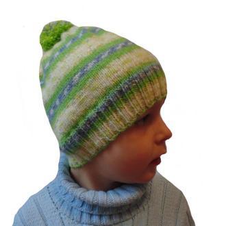 Вязанная шапка с помпоном ручной работы