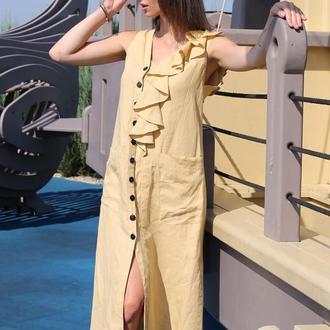 Песочное льняное платье с воланом