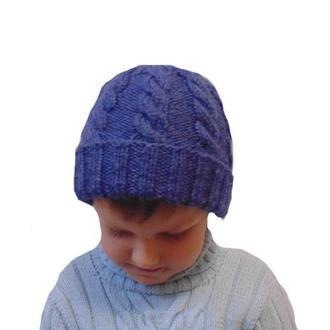Зимняя вязанная шапка ручной работы