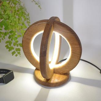 Настольная лампа из натурального дуба