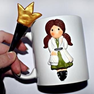 кружка доктору, подарок врачу, кружка из полимерной глины, чашка на заказ, ложка из полимерной глины