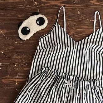 Комплект для дома и сна/пижама с шортами в черную полоску