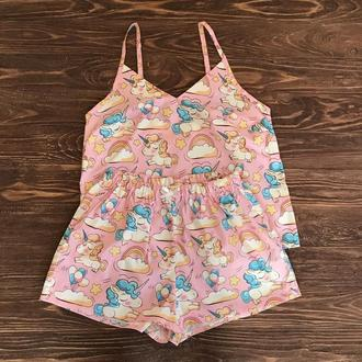 Комплект для дома и сна розового цвета с майкой и шортами с единорогами